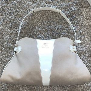 FENDI CANVAS/PATENT LEATHER HANDBAG